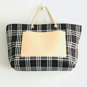 Women s Bloomingdales Handbags on Poshmark e48cc79d9cd8c